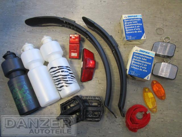 Sortiment Fahrrad-Teile und - Zubehör